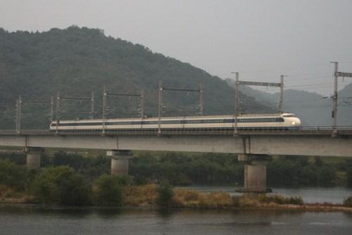 吉井川を渡る0系